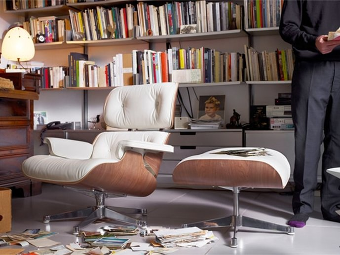 Eames Lounge Chair and Ottoman Poltrona da Vitra com pele branca